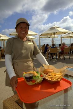 The Staff at The Sun Deck Grill are friendly, fast and very courteous!