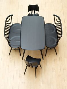 Love seat, stools and table | Black and Wood | Lucian Ercolani for Ercol