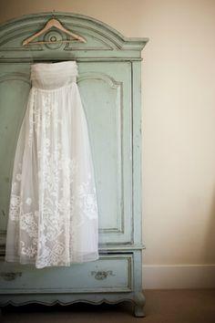 rustic-ojai-garden-wedding-caroline-herrera-wedding-dress