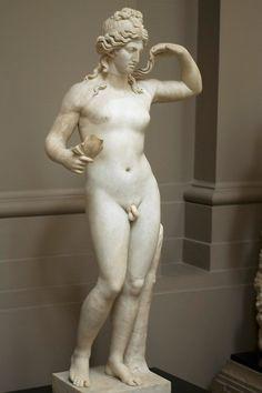Hermaphrodit Sculpture, Artists Inspiration, Marbles, Women In Suits, Greek Sculpture, Greek God, Art Galleries, Greek Statues, Hermaphrodit God