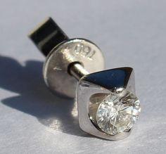 18 karaat gouden oorbellen met 0,30 ct diamanten briljanten solitair