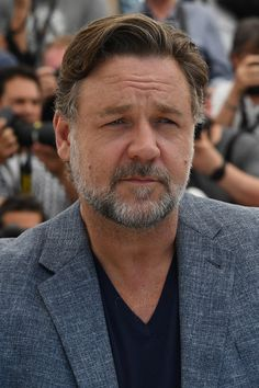 Russell Crowe Photos Photos: 'The Nice Guys' Photocall - The Annual Cannes Film Festival Taika Waititi, Elsa Pataky, Isla Fisher, Russell Crowe, Southern France, Stephen Amell, Cannes Film Festival, Best Actor, Chris Hemsworth