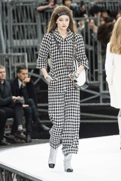 The ready-to-wear collections presented in New York, London, Milan and Paris, February 9 to March 8 put ten major trends on the fashion map.