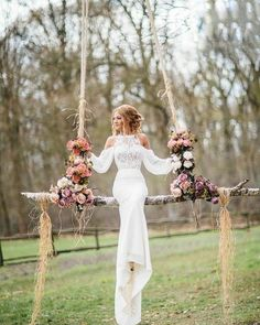 Fantastic wedding photo idea / http://www.deerpearlflowers.com/wedding-reception-decor-swing-ideas/2/