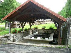 Lavoir à Loquebrou, Cantal.