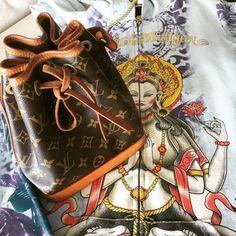 E essa #bolsa #vintage da #LouisVuitton junto com essa #estampa...