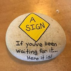 Cool 50 Best Painted Rock Art Ideas with Quotes You Can Do https://homemainly.com/1757/50-best-painted-rock-art-ideas-quotes-can