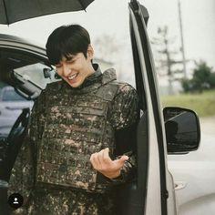 Hid smile killing me💘 Jung So Min, Lee Min Ho Smile, Le Min Hoo, Legend Of Blue Sea, Lee Min Ho Photos, Kim Bum, New Actors, City Hunter, Kdrama Actors
