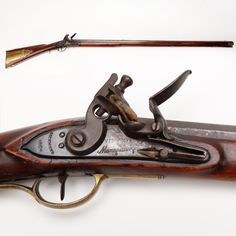 Virginia Manufactory 2nd Model Rifle – The Virginia Manufactory of Arms in Richmond, VA, operated between 1802-21. This flintlock was one of 3,177 produced at the armory in 1809. During the Civil War, the armory was rebooted with the purpose of taking many of these guns and converting them to the newer percussion system and pressing them into service; the facility burned in 1865. This particular gun was converted and then reconverted back to flintlock at a later date. Percussion Cap, Flint And Steel, Black Powder Guns, Flintlock Pistol, Long Rifle, Seven Years' War, British Soldier, Military Weapons, Military Equipment