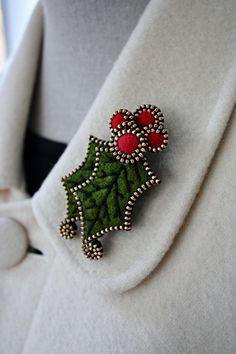 Felt and zipper Holly brooch