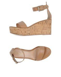 GIANVITO ROSSI Sandals. #gianvitorossi #shoes #sandals