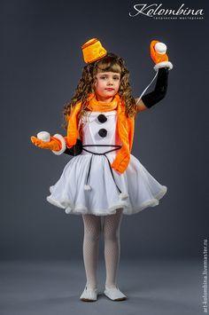 Купить или заказать Костюм снеговика в интернет-магазине на Ярмарке Мастеров. Карнавальный костюм снеговик для девочки комплектация: платье, пояс, перчатки, шарф, ведро, варежки 134-146+300…
