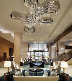 The Ritz-Carlton, Toronto proudly features 450 pieces of original Canadian art throughout our hotel.
