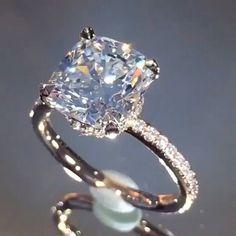 Enjoy This Stunning @LAUREN B JEWELRY AND DIAMONDS Diamond Ring Via @Jewelry_Goals