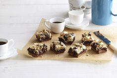 Biscuits graham, chocolat et guimauves: ces brownies tout juste sortis du four n'ont rien à envier aux s'mores grillés. Qui a dit qu'il fallait un feu de camp?