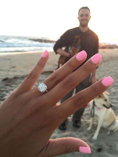 Love that nail color and the ring is gorgeous too J'adore cette couleur d'ongle et la bague est magnifique aussi Dream Engagement Rings, Engagement Pictures, Wedding Engagement, Engagement Session, Wedding Bands, Halo Wedding Rings, Engagement Nails, Celebrity Wedding Rings, Square Engagement Rings