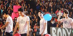 SMTOWN 120520 : D.O. playing with a balloon (1/2)