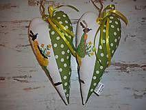 Veľká Noc - Vyšívané srdiečko so zajačicou_zelené+žlté šaty - 5093738_