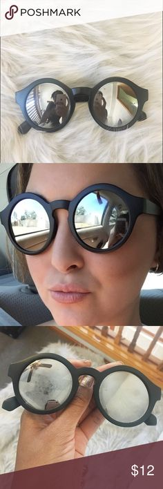 M A T T E • B L A C K • S U N N I E S Matte black sunnies with silver mirror lens! Super cute! Minor smudge on left lens as depicted. ☀️ NOT FREEPEOPLE Free People Accessories Sunglasses