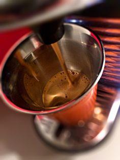 Guten Morgen…wenn man den Glauben, an was auch immer, verliert…gibt der #TGIF #Kaffee in Form des #FortissioLungo wieder Hoffnung @Nespresso #whatelse #TGIN #ShotoniPhone #iPhoneSE #Camera+ #tadaacommunity