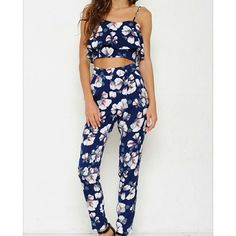 ILLANA 2 pc floral set Spoon adorable, floral 2 pc set   Floral crop top and skinny leg pant   Sizes: SMALL-LARGE high end boutique  Other