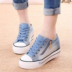 Ladies Round Toe Lace Up Sneakers Womens Platform Talons compensés Denim Chaussures Oxford Trendy Shoes, Cute Shoes, Me Too Shoes, Casual Shoes, Studded Heels, Wedge Heels, High Heels, Sneakers Fashion, Fashion Shoes