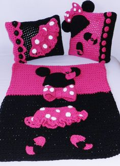 Handcrochet EXCLUSIVE Unique tutu Minnie Mouse by picoloknitting, $220.00 I simply MUST find a knitting pattern for these!