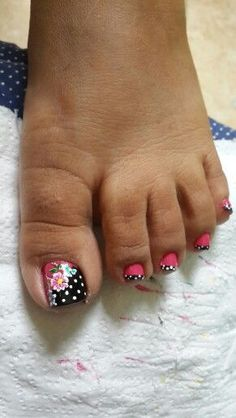Having short nails is extremely practical. The problem is so many nail art and manicure designs that you'll find online Toe Nail Color, Toe Nail Art, Nail Colors, Cute Toe Nails, Fancy Nails, Pretty Nail Art, Beautiful Nail Art, Toe Nail Designs, French Pedicure Designs