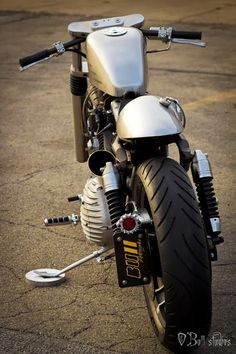 Harley Cafe Racer #motorcycles #caferacer #motos | caferacerpasion.com