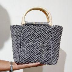 Macrame Dress, Macrame Bag, Art Model, Straw Bag, Purses And Bags, Crocheted Bags, Handbags, Knitting, Design