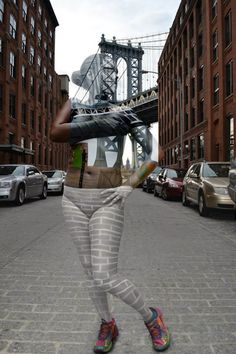 Models Covered in Elaborate Bodypaint Blend Perfectly Into NYC Landscapes - My Modern Met