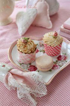 Aiken House & Gardens: Delicate Pink Tea Canada