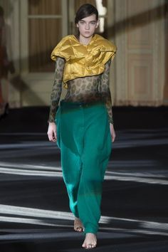 http://www.vogue.com/fashion-shows/fall-2016-ready-to-wear/acne-studios/slideshow/collection