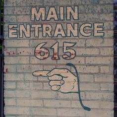 #MainEntrance615 #FingerPoint #sign #signage #type #typography #handpainted #handlettered #handpaintedtype