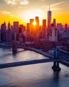New York City by Joe Meade by newyorkcityfeelings.com - The Best Photos and Videos of New York City including the Statue of Liberty Brooklyn Bridge Central Park Empire State Building Chrysler Building and other popular New York places and attractions.