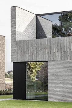 Francisca Hautekeete - architect Gent - H - Drongen - huis - Tine - Pin Kings Modern Architecture Design, Minimalist Architecture, Modern Architecture House, Facade Design, Facade Architecture, Residential Architecture, Modern House Design, Exterior Design, Home Design
