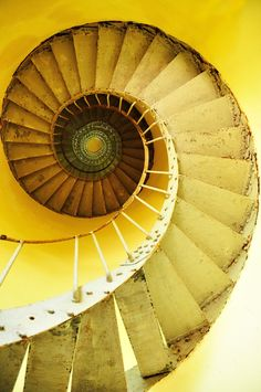 Staircase spiral in yellow Stairs And Staircase, Take The Stairs, Staircase Design, Winding Staircase, Spiral Staircases, The Magic Faraway Tree, Stairs To Heaven, Jaune Orange, Foto Poster