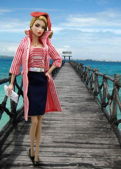 Victorie wearing Roman Holiday at the beach.