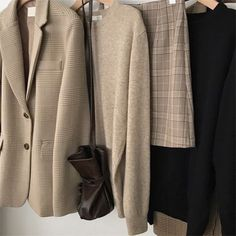 Look Fashion, Korean Fashion, Winter Fashion, Fashion Outfits, Vogue, My Wardrobe, Capsule Wardrobe, Outfit Invierno, Beige Aesthetic