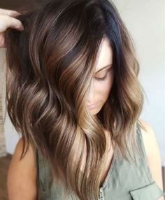 Balayage is suitable for light and dark hair, almost all lengths except very short haircuts. Today I want to show you the most popular Brunette Balayage Hair Color Ideas. Balayage has become the biggest trend in recent seasons, and it's not over yet. Spring Hairstyles, Pretty Hairstyles, Hairstyle Ideas, Brown Hairstyles, Hairstyles 2018, Black Hairstyle, Hairstyles Pictures, Simple Hairstyles, Hairstyle Short