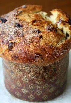 Panettone - The Sweet, Fruit Studded Christmas Bread from Artisan Bread in Five Minutes a Day Artisan Pizza, Artisan Bread, Bread And Pastries, Holiday Baking, Christmas Baking, Holiday Bread, Italian Christmas Bread, Italian Desserts, Sweet Bread