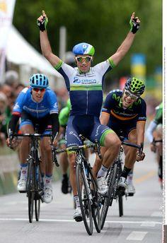 Tour de Romandie - Étape 1 - 30 avril 2014 : Le Suisse Michael Albasini (Orica-GreenEdge) l'emporte devant Jesus Herrada Lopez (Movistar) et Ramunas Navardauskas (Garmin-Sharp)  Photo: © Tim de Waele