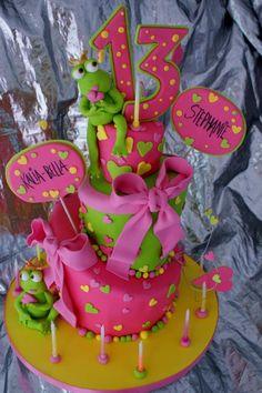 girly frog cake