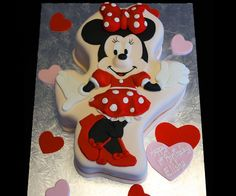Disney Minnie Mouse cake - http://www.celebration-cakes.co.uk/Childrens-cake-gallery%282354915%29.htm