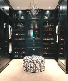 23 Photos of the Most Perfect Closets to Drool over ...