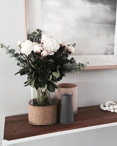 In my opinion there is nothing better to decorate with than fresh flowers...nothing brings life to a space quite like them! I took this photo a little while ago, I have not had any fresh flowers since before Christmas!!! But I think it's time again...@willow_and_bear I'm coming for you!!!