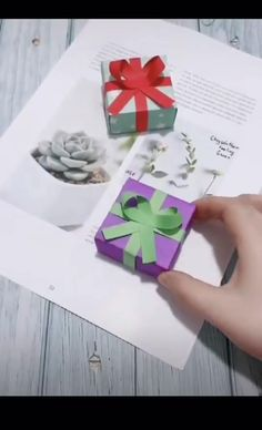 DIY paper box is a cool gift that's cheap and easy to make! Great idea for Mother's Day, Father's Day, an anniversary, etc. Diy Crafts Hacks, Diy Crafts For Gifts, Fathers Day Crafts, Diy Arts And Crafts, Crafts For Kids, Paper Gift Box, Diy Gift Box, Paper Gifts, Cool Paper Crafts