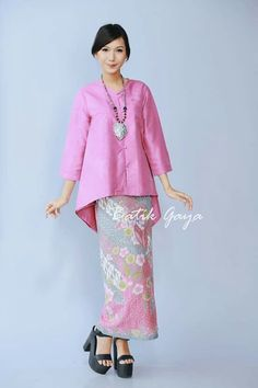 Simply elegant and sweet :)… Kebaya Lace, Kebaya Hijab, Batik Kebaya, Kebaya Dress, Kebaya Muslim, Batik Dress, Kebaya Brokat, Muslim Fashion, Ethnic Fashion
