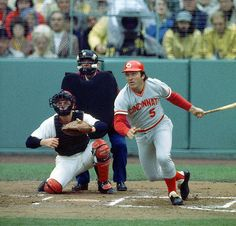 Baseball - Two all-time great catchers, Carlton Fisk (Red Sox) and Johnny Bench (Reds) Cincinnati Reds Baseball, Baseball Star, Baseball Players, Mlb Players, Baseball Teams, Dayton Ohio, Baseball Cards, Johnny Bench, Baseball Pictures