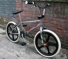 I own brand new frame, forks, blk tuffs. O do like this combo Vintage Bmx Bikes, Retro Bikes, At Dawn We Ride, Skyway Bmx, Freeride Mtb, Mongoose Bmx, Gt Bmx, Bmx Girl, Baby Bike